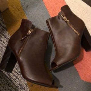 Cute Booties Never Worn - Brown - Size 38
